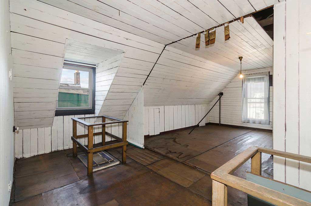 54 reservoir ave jersey city attic