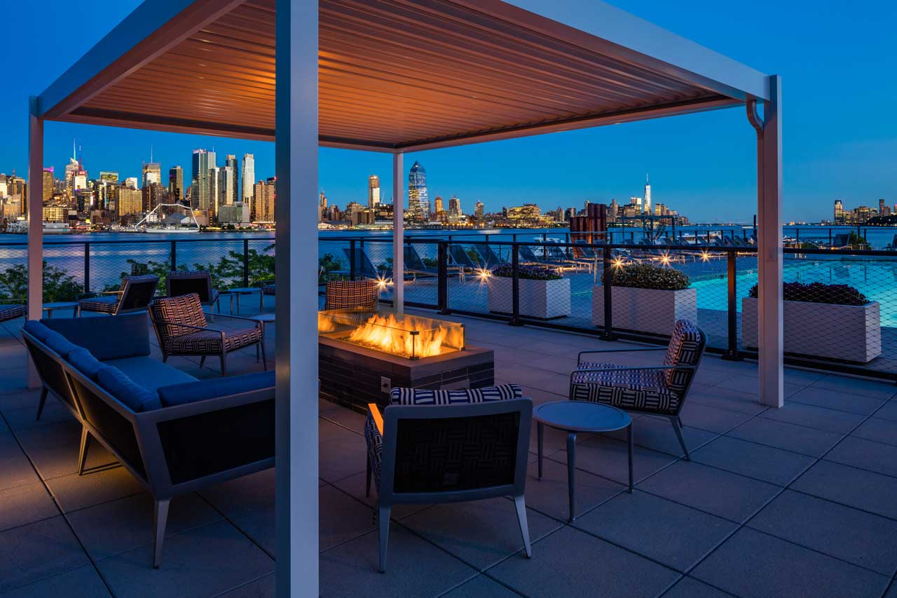 1200 Avenue At Port Imperial Weehawken Amenity Space